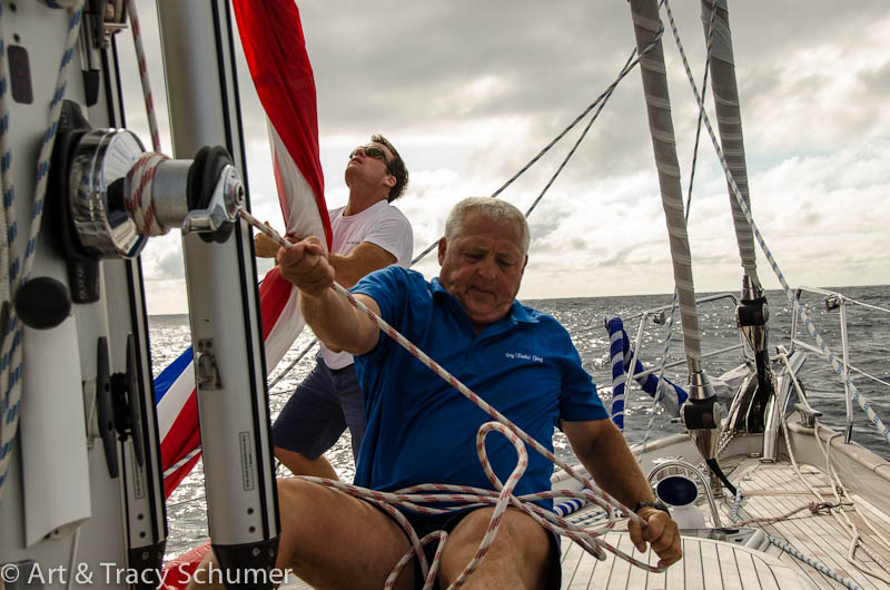 Murray and Sean putting up the asymmetric spinnaker