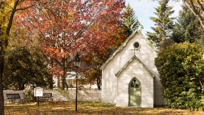 Tiny church in tiny Arrowtown